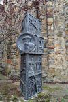 Escultura erigida en motiu del 25è aniversari de la seva mort.